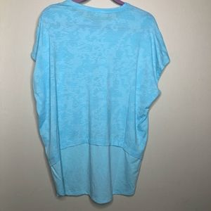 Under Armour Tops - NWT Under Armour high-low blue tee size L // T36